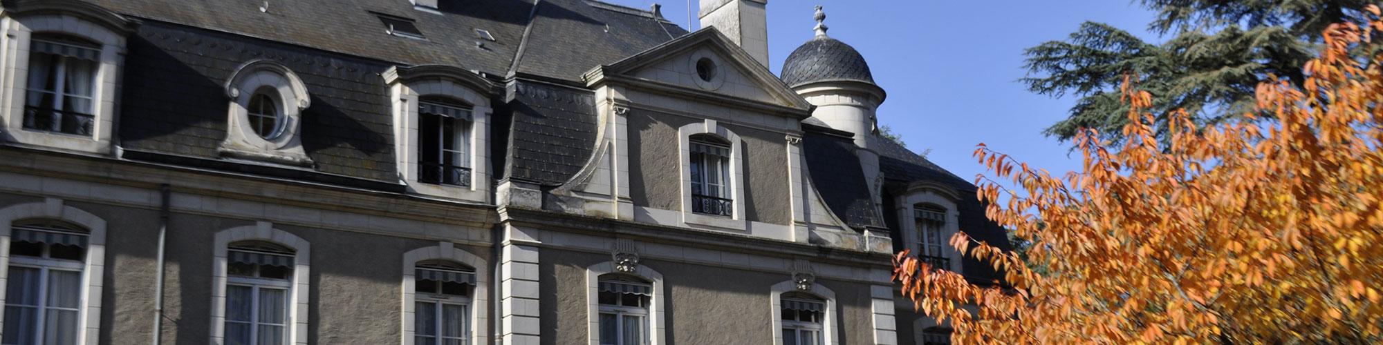 Maison de retraite lailly en val segu maison for Accueil temporaire en maison de retraite